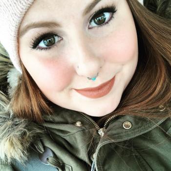 Babysitter Calgary: Andrea