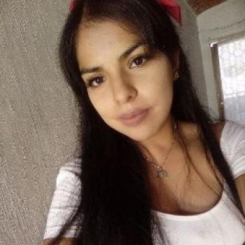 Babysitter in Zapopan: Perla Esmeralda