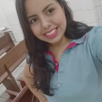 Babysitter Fortaleza: Camila