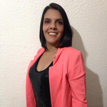 Babysitter Praia Grande: Daniela