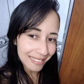 Babá em Contagem: María Aparecida