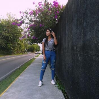 Niñera en Guápiles: Vale