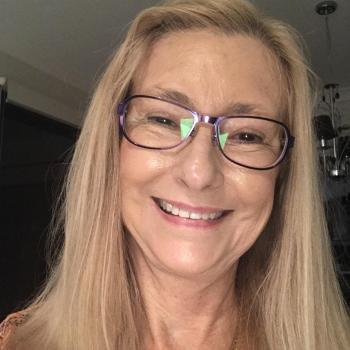 Babysitter Brisbane: Sharon