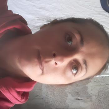 Babysitter in Colinas de Solymar: Evelyn