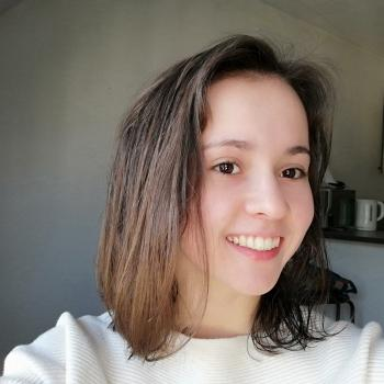 Baby-sitter in Bourges: Lina