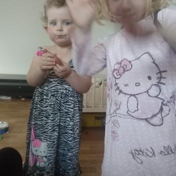 Barnvaktsjobb Ruda: barnvaktsjobb Saga