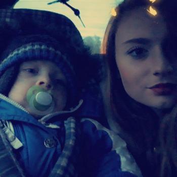 Babysitter Lessines: Alison