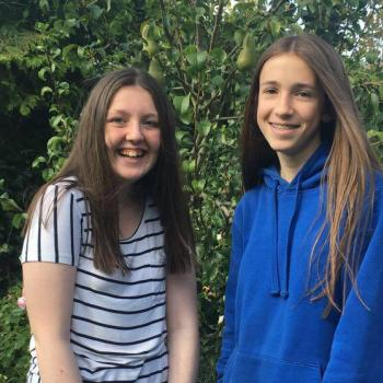 Babysitter Northampton: Samantha and Imi