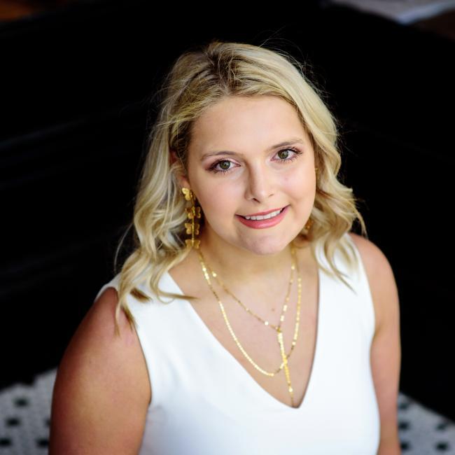 Babysitter in Tuscaloosa: Anna