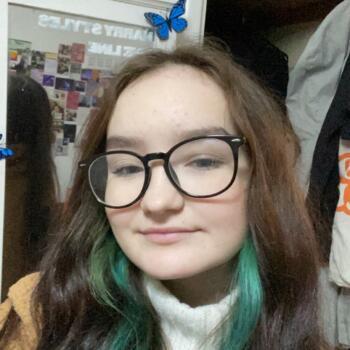 Babysitter in Guildford: Kelsey