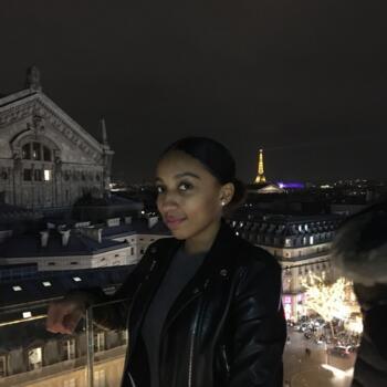 Babysitter in Paris: Marion