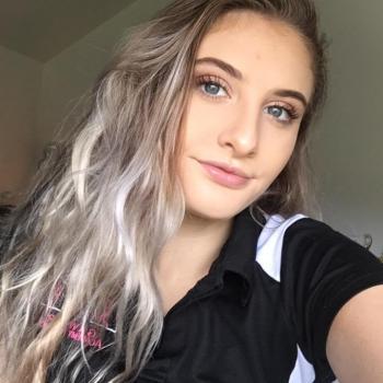 Babysitter Adelaide: Zara