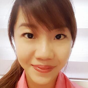 Babysitter Singapore: Esther
