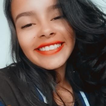 Babá Brasília: Camila