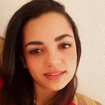 Babysitter in Gravatal: Priscila