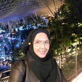 Babysitter in Singapore: Adah