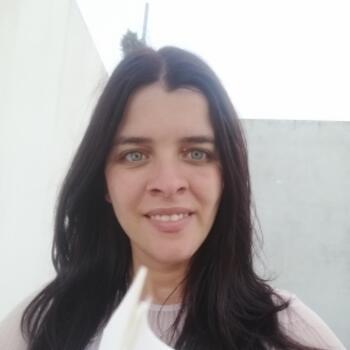Babysitter em Ponta Delgada: Paula