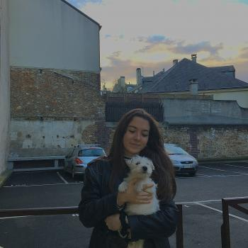 Baby-sitter in Versailles: Aoibh