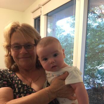 Babysitter Nelson: Helen