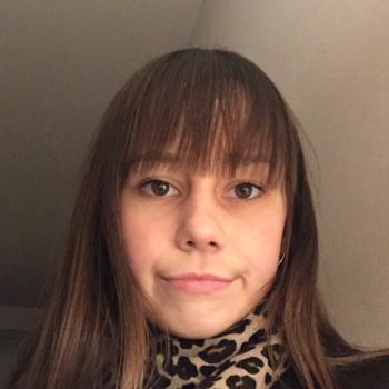 Baby-sitter Neuville-en-Ferrain: Elisa