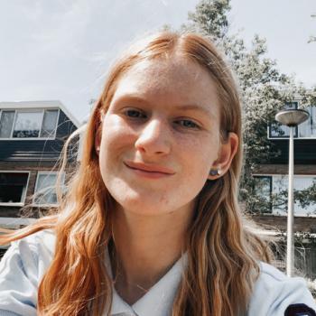 Oppas Hendrik-Ido-Ambacht: Esmee