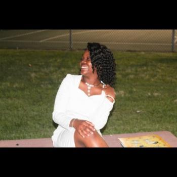 Babysitter Deerfield Beach: Emmanuela