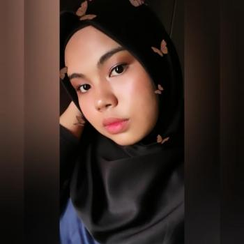 Pengasuh di Cyberjaya: Nur Anis Sabrina