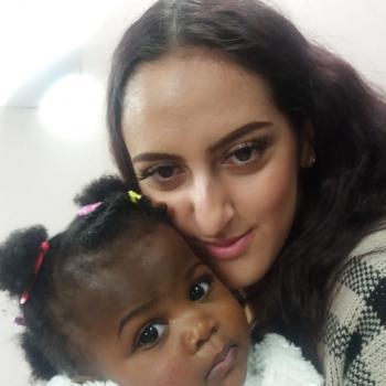 Babysitter Oldham: Ana