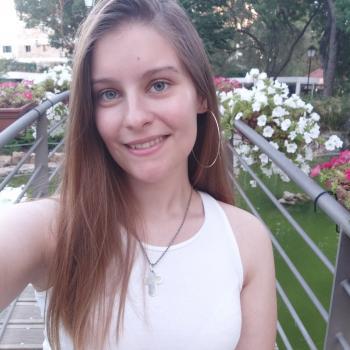 Babysitters em Porto Salvo: Mariana