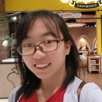 Babysitter in Singapore: Clara