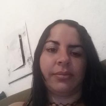 Babá Lavras: Angelica cristina