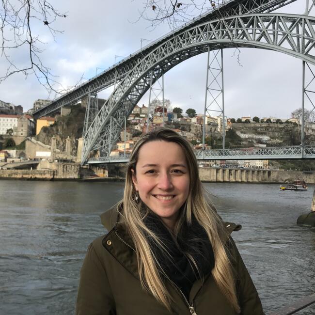Babysitter em Lisboa: Mayara