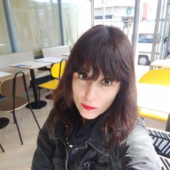 Niñera en Hurlingham: Karina