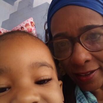 Babá Niterói: Denise