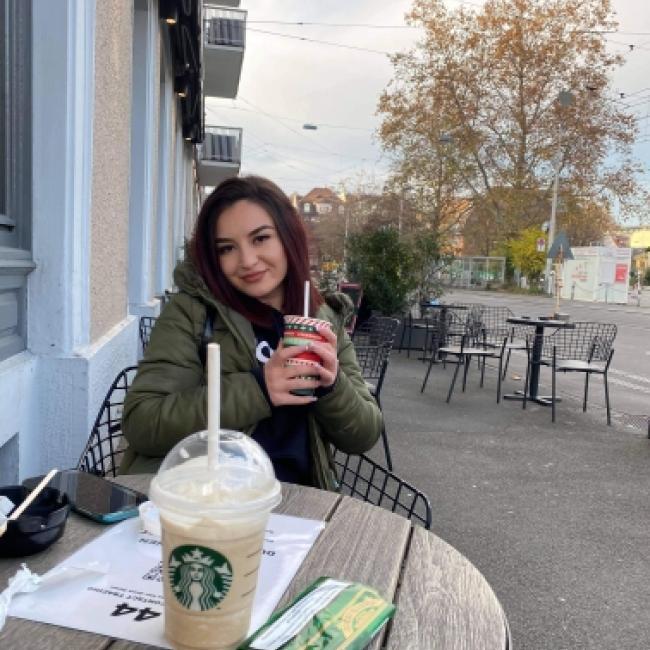 Babysitter in Zürich: Anna