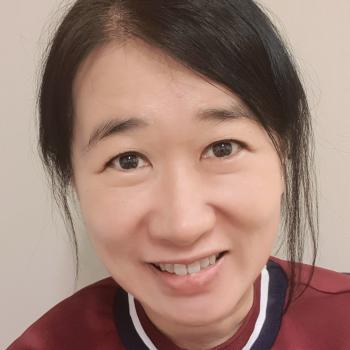 Babysitter Singapore: Karine