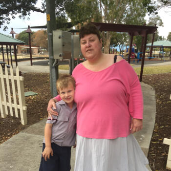 Babysitter Wellington: Debra