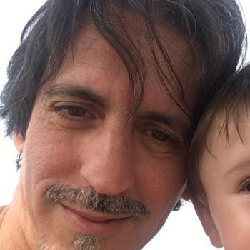 Lavoro per babysitter a Viareggio: lavoro per babysitter Sandro