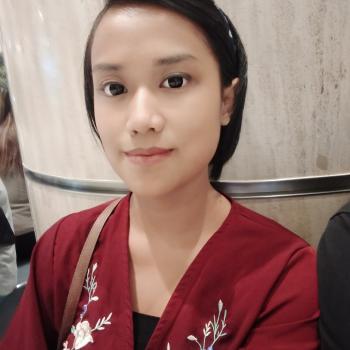 Parent Singapore: babysitting job Nur zie