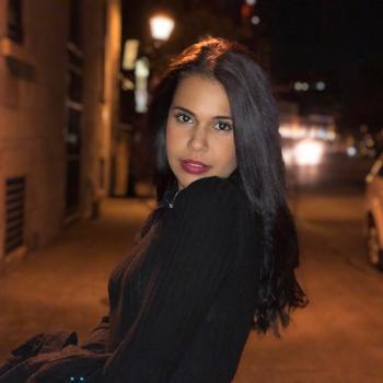 Babysitter Montreal: Hannene