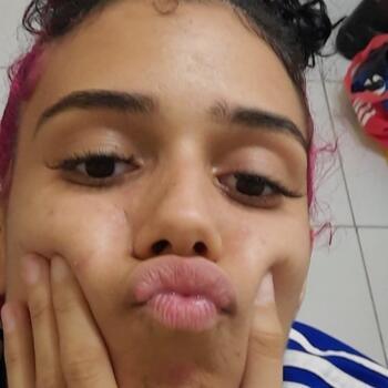 Babá Rio de Janeiro: Helen
