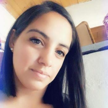 Niñera en Maquinista Savio: Bel