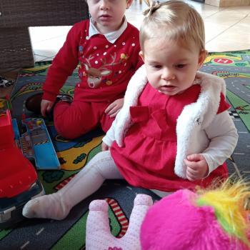 Babysitting job in Macau: babysitting job Charline