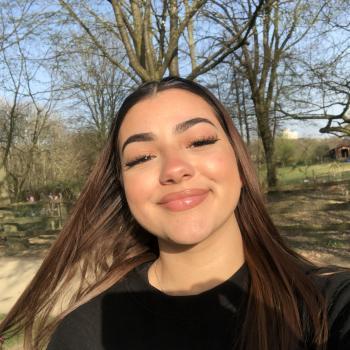 Babysitter in Brussels: Yasmine