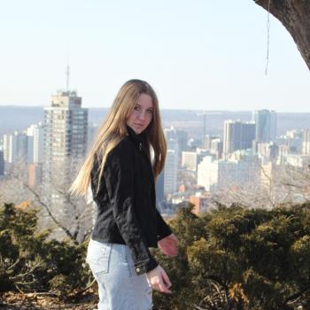 Baby-sitter in Hamilton: Katie