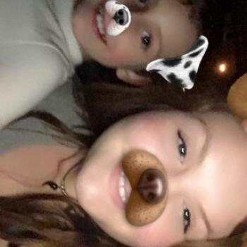 Babysitter Garland: Ava