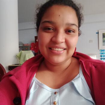 Niñera en Chimbote: Angela