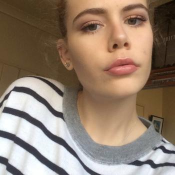 Babysitter Canberra: Mackenzie