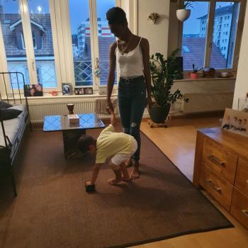 Babysitter in Biel: Justina Ngonda