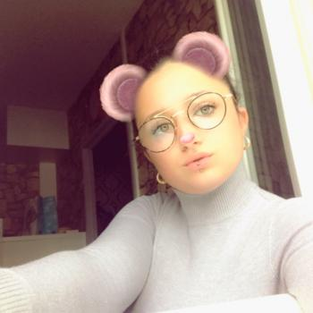 Babysitter Vouneuil-sous-Biard: Mathilda